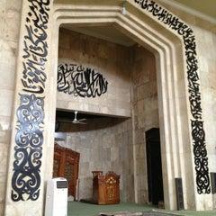 Photo taken at Masjid Raya Sabilal Muhtadin by Rudi S. on 1/27/2013