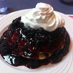 Photo taken at Sophia's House of Pancakes by Erdem E. on 1/19/2013
