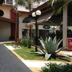 Photo taken at Trem Expresso Café e Bistrô by Beatriz Z. on 1/18/2013