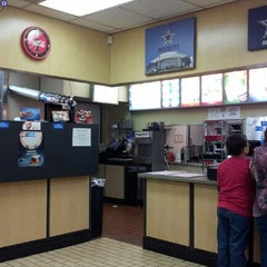 Photo taken at Dairy Queen by Marquis D. on 11/18/2012