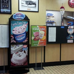 Photo taken at Dairy Queen by Marquis D. on 12/14/2012