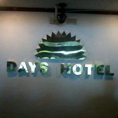 Photo taken at Days Hotel, Mactan, Cebu by Albert P. on 1/29/2013