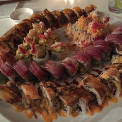 Photo taken at Friends Sushi by Jackie N. on 2/1/2015
