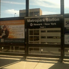 Photo taken at NJT - Metropark Station (NEC) by Robert T. on 9/19/2012