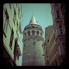 Photo taken at Galata Kulesi by Burçin volkan Y. on 5/31/2013