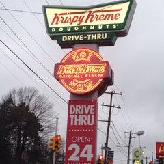 Photo taken at Krispy Kreme Doughnuts by Michael P. on 1/11/2014