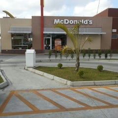Photo taken at McDonald's by Daiane M. on 1/12/2013