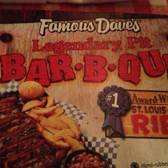 Photo taken at Famous Dave's by Szilard P. on 4/7/2013