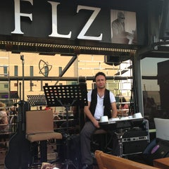Photo taken at Flz Cafe & Restaurant by 🎸🎷Gökhan A. on 5/19/2013