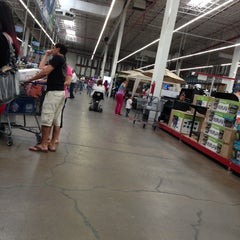 Photo taken at Sam's Club by D Z. on 4/21/2013