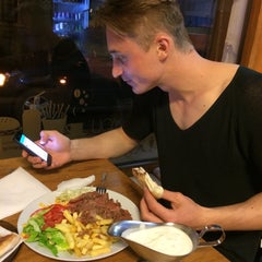Photo taken at Döner Maxx by Groza V. on 4/16/2014