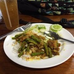 Photo taken at โรงอาหาร 40 ปี มจพ. by Patipan F. on 2/28/2014