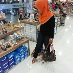 Photo taken at Internasional Plaza (IP) by Dodit A. on 12/22/2013