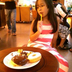 Photo taken at J.Co Donuts & Coffee by Citra D. on 6/8/2013