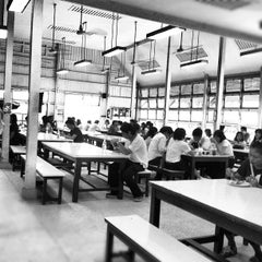 Photo taken at คณะรัฐศาสตร์ (Faculty of Political Science) by Bhuschong S. on 10/25/2012