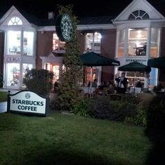 Photo taken at Starbucks by Paulina G. on 7/24/2013