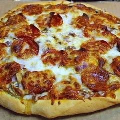 Photo taken at Mario's Pizza, Montrose by  Serse Seales Jr SC . on 12/6/2011