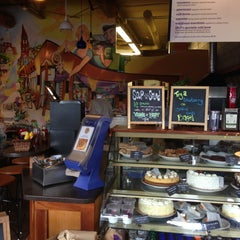 Photo taken at SPoT Coffee Elmwood Cafe by Harris on 5/9/2013