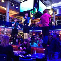 Photo taken at Ellen's Stardust Diner by Seong P. on 2/10/2013