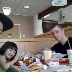 Photo taken at Arby's by Bobby W. on 4/10/2013
