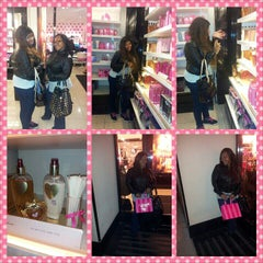Photo taken at Victoria's Secret PINK by Kay D. on 11/26/2012