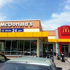 Photo taken at McDonald's by Ng L. on 2/1/2013