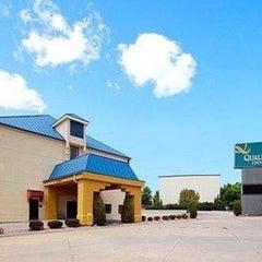Photo taken at Quality Inn Blue Springs by Nirav P. on 12/22/2012