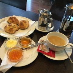Photo taken at Cafetaria Green Tea by Paula C. on 1/6/2015