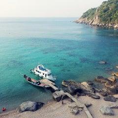 Photo taken at Mango Bay by Chompunoot Adia B. on 4/11/2014
