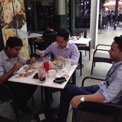 Photo taken at Killiney Kopitiam by Ikmal Afif on 1/9/2014