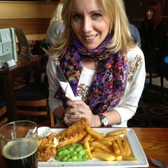 Photo taken at The Three John Scotts (Wetherspoon) by Tanya R. on 3/29/2013