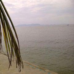 Photo taken at หาดพัทยา (Pattaya Beach) by 善 妙 G. on 1/1/2013