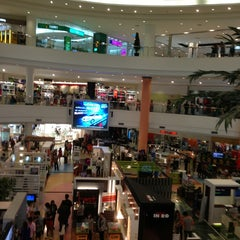 Photo taken at The Mall Nakhon Ratchasima (เดอะมอลล์นครราชสีมา) by Suwanna K. on 2/23/2013