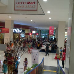 Photo taken at LOTTE Mall by bustanul a. on 3/3/2013