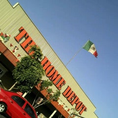 Photo taken at The Home Depot by iLeFlow on 11/8/2012