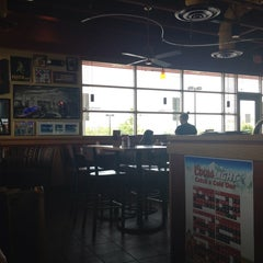 Photo taken at Red Robin Gourmet Burgers by William B. on 5/26/2013