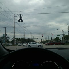 Photo taken at Intersection W Oakland Park Blvd & N Powerline Rd by MONTGOMMERY M. on 2/28/2013