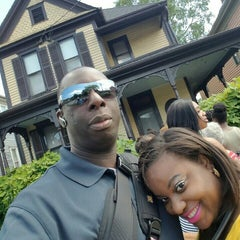 Photo taken at Martin Luther King Jr. Birth Home by Macajuel on 5/21/2016