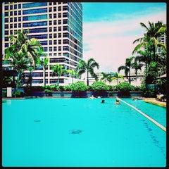 Photo taken at Makati Shangri-La by Sidjai H. on 7/7/2013