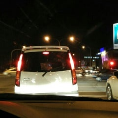 Photo taken at Traffic Light Lido Intersection by Bros™ on 10/8/2015