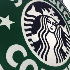 Das Foto wurde bei Starbucks von Andreas S. am 5/17/2015 aufgenommen
