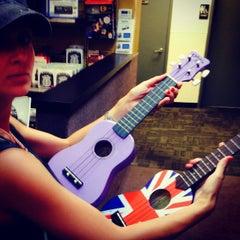 Photo taken at Guitar Center by Olga K. on 9/7/2014