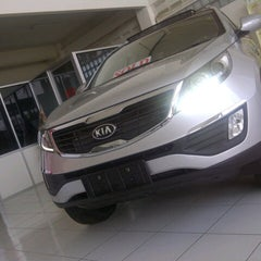 Photo taken at KIA showroom PT.Pratama Transindo by Erick A. on 10/7/2012