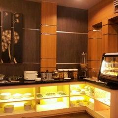Photo taken at Executive Lounge Husein Sastranegara International Airport by Azni A. on 10/9/2012