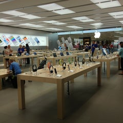 Photo taken at Apple Store, SouthPark by Jennifer on 6/27/2013