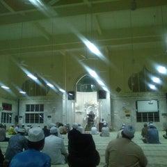 Photo taken at Masjid Telipot (مسجد تليڤوت) by Akmal S. on 2/7/2013