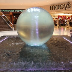 Photo taken at The Mall at Short Hills by Tom S. on 12/8/2012