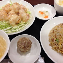Photo taken at 華正樓 新横浜店 by Atsuko on 10/26/2014