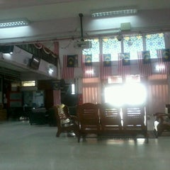 Photo taken at Kolej Ungku Omar by Chester Clement C. on 10/3/2012