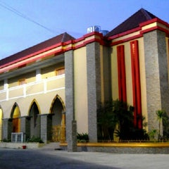 "Photo taken at Universitas Putra Indonesia ""YPTK"" by Romi S. on 2/19/2013"